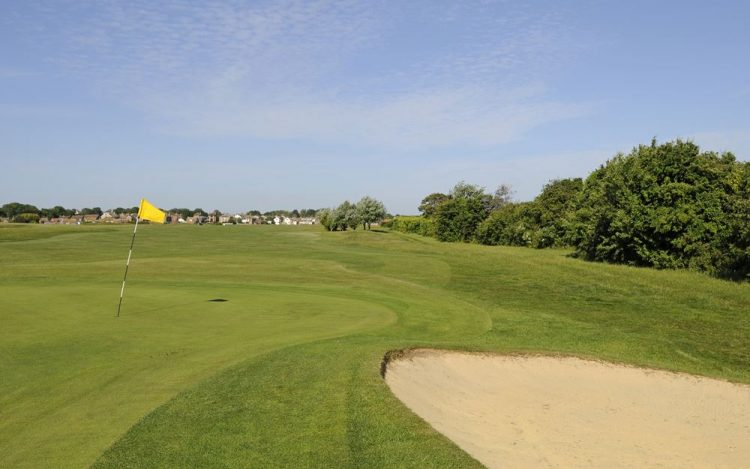 WBGC - 10TH HOLE - THE GREEN AND BUNKER TOWARDS FAIRWAY 2