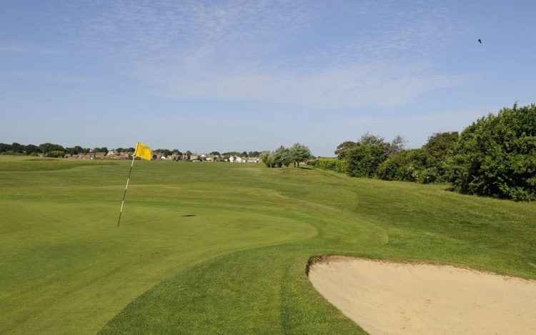 WBGC - 10TH HOLE - THE GREEN AND BUNKER TOWARDS FAIRWAY