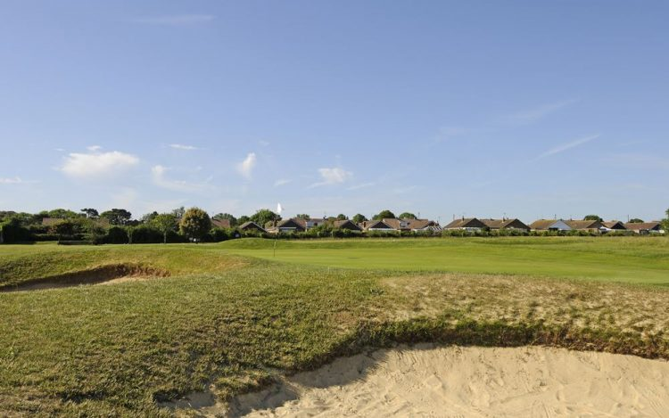 WBGC - 11TH HOLE - THE GREEN WITH BUNKERS