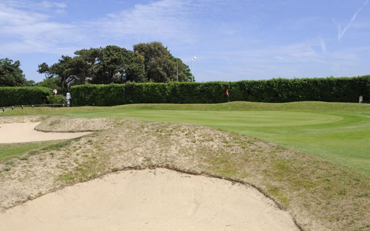WBGC - 15TH HOLE - GREEN AND BUNKERS