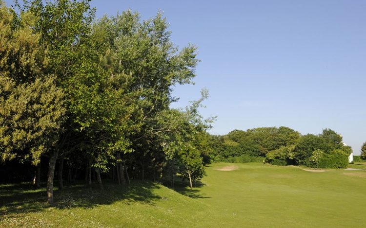 WBGC - 17TH HOLE - VIEW FROM FAIRWAY TO GREEN