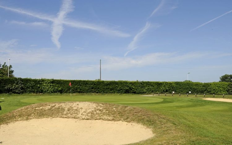 WBGC - 1ST HOLE - VIEW OVER BUNKER TO GREEN