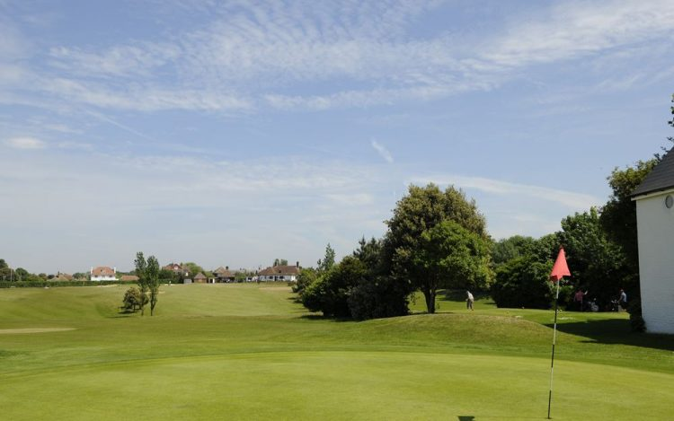 WBGC - 1st hole - view over Green towards clubhouse