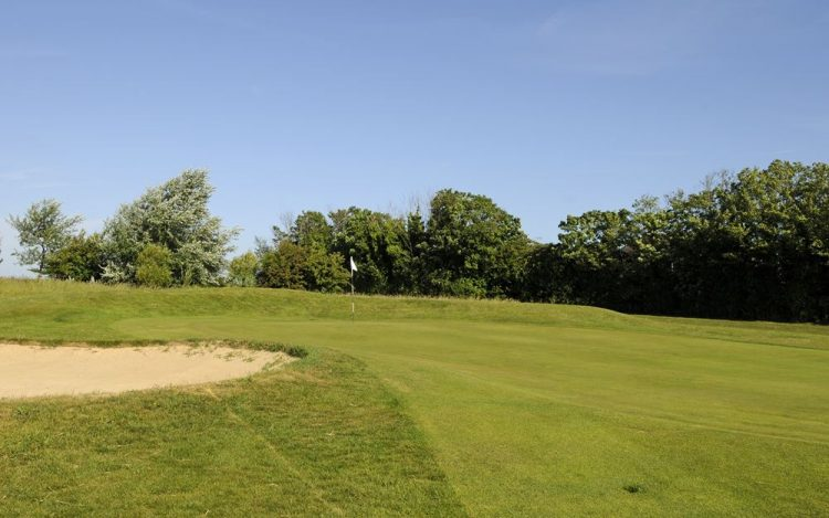 WBGC - 2ND HOLE - VIEW UPTO BUNKER AND GREEN